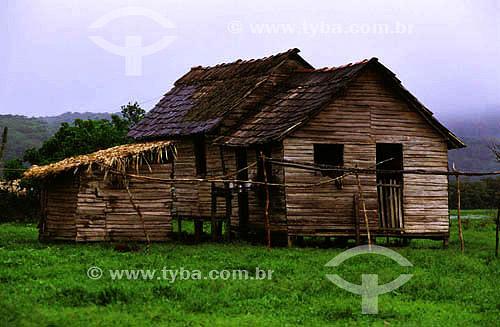 Habitação em área indígena do Oiapoque - AP - Brasil  - Oiapoque - Amapá - Brasil
