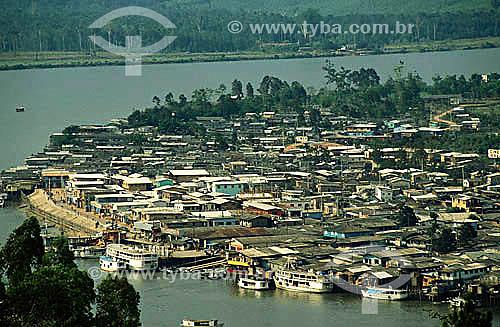 Favela do Beiradão às margens do Rio Jari  - Pará - Brasil