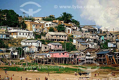 Favela sobre palafitas em Manaus - AM - Brasil  - Manaus - Amazonas - Brasil