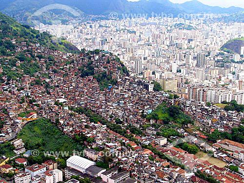 Vista aérea de favela no Rio Comprido - Zona norte do Rio de Janeiro - favela - Rio de Janeiro - RJ - Brasil  foto digital - 2005  - Rio de Janeiro - Rio de Janeiro - Brasil