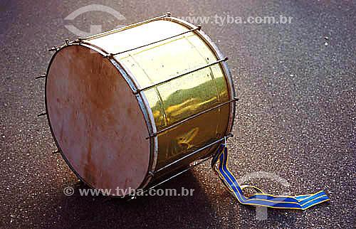 Instrumento de percussão - bateria