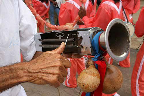 Reco reco usado em grupo folclórico moçambique - Justinópolis - MG - Brasil  - Ribeirão das Neves - Minas Gerais - Brasil