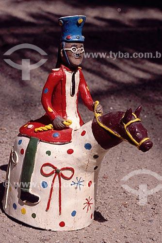 Artesanato em barro - Figura de cavaleiro - autor: Amaro Rodrigues - Museu do Pontal - Recreio dos Bandeirantes - Rio de Janeiro - RJ - Brasil  - Rio de Janeiro - Rio de Janeiro - Brasil