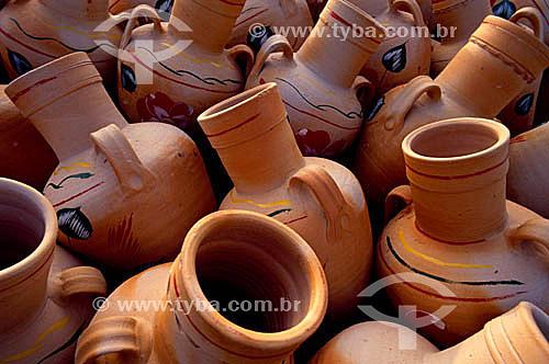 Artesanato em barro: jarras