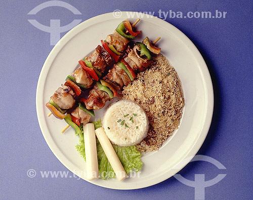 Culinária - Churrasco com Arroz e Farofa