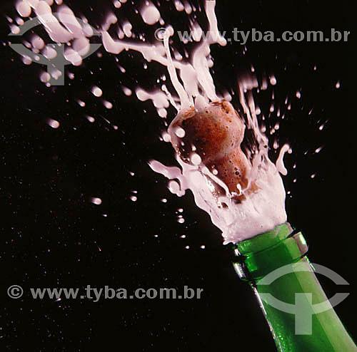 Bebida - champanha estourando - champanhe - champagne