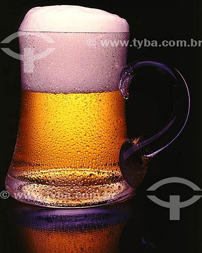 Bebida alcoólica - caneca com chopp  - Brasil