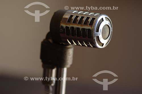 Microfone com pedestal usado nos anos 40 - Conservatória - Rio de Janeiro - BrasilData: 18/11/2006.