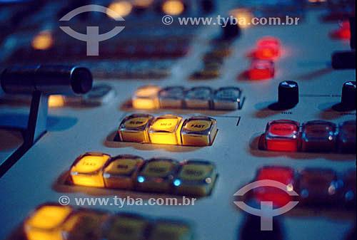 Estação de televisão - detalhe dos botões