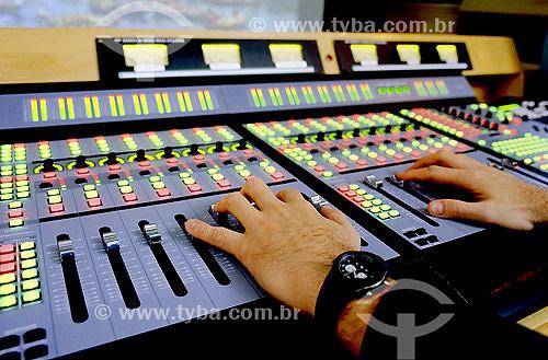 Estúdio VTI Rio, localizado em São Cristóvão, Zona Norte carioca e que completa, em 2004, 20 anos de tradição em pós-produção em vídeo - Rio de Janeiro - RJ - Brasil  - Rio de Janeiro - Rio de Janeiro - Brasil