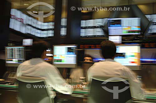 Operadores em trabalho na BOVESPA (Bolsa de Valores de São Paulo) - São Paulo - SP - Brasil - Novembro de 2006  - São Paulo - São Paulo - Brasil
