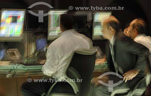Operadores trabalhando na BOVESPA (Bolsa de Valores de São Paulo) - São Paulo - SP - Brasil - Novembro de 2006  - São Paulo - São Paulo - Brasil