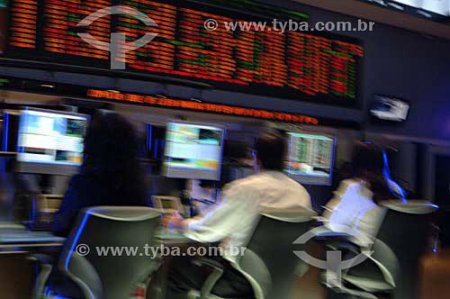 Operadores trabalahando em mesa de investimento da BOVESPA (Bolsa de Valores de São Paulo) - São Paulo - SP - Brasil - Novembro de 2006  - São Paulo - São Paulo - Brasil