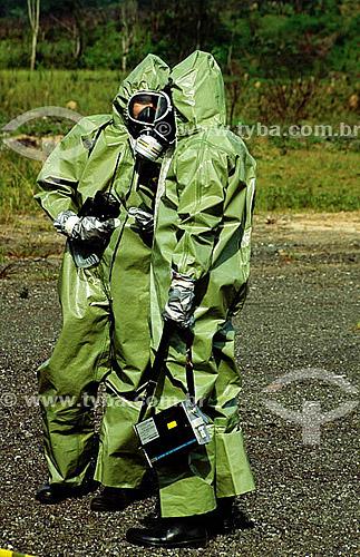 Uniforme de segurança - máscara de proteção contra gás e poluição do ar