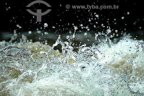 Água turbulenta