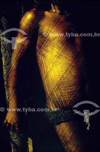 Índio com o corpo pintado - Grafismo.