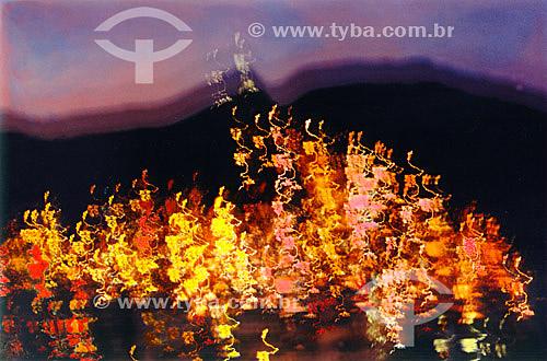 Efeito visual: luzes da cidade - Rio de Janeiro - RJ - Brasil  - Rio de Janeiro - Rio de Janeiro - Brasil