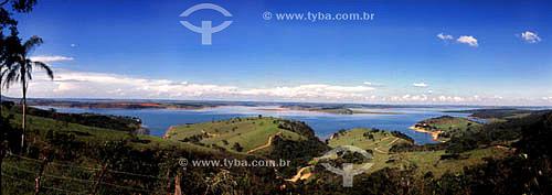 Represa de Furnas, formada pelo Rio Grande (próximo à Santo Hilário) e Sapucaí - cercanias de Santo Hilário - MG - Brasil - Janeiro/2004.  - Minas Gerais - Brasil