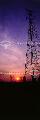 Industrial - Pôr-do-sol - Torres elétricas Tucuruí - PA - Brasil  - Tucuruí - Pará - Brasil