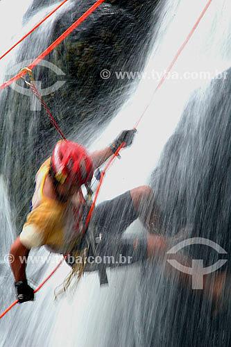 Rappel na Cachoeira Pancada Grande - Nilo Peçanha - BA - Brasil  - Minas Gerais - Brasil