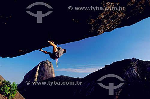 Marco Vidon (released 40) - Via Nosferatus - alpinismo no Morro da Babilônia - Urca - Rio de Janeiro - RJ - Brasil  - Rio de Janeiro - Rio de Janeiro - Brasil