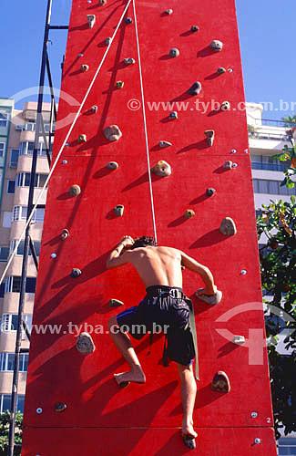 Parede de escalada artificial - treino de alpinismo e rappel -Copacabana - Rio de Janeiro - RJ - Brasil  - Rio de Janeiro - Rio de Janeiro - Brasil