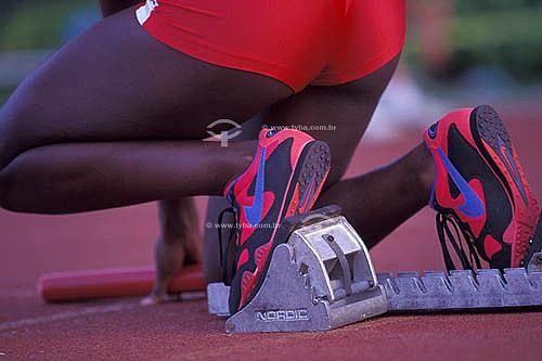 Esporte - corrida - detalhe das pernas do atleta na hora da largada da corrida - Rio de Janeiro - RJ - Brasil  - Rio de Janeiro - Rio de Janeiro - Brasil
