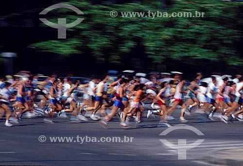 Esporte - corredores durante a Maratona