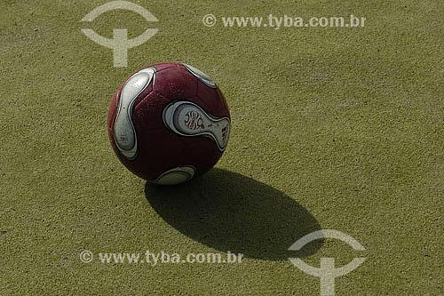 Bola de futebol - grama sintética