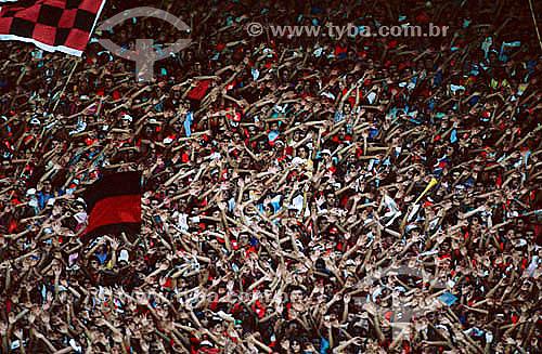 Jogo de futebol - torcida do Flamengo - Estádio do Maracanã - Maracanã - Rio de Janeiro - RJ - Brasil  O estádio é Patrimônio Histórico Nacional desde 26-12-2000.  - Rio de Janeiro - Rio de Janeiro - Brasil