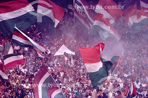 Torcida do Fluminense com bandeiras no Estádio do Maracanã - Maracanã - Rio de Janeiro - RJ - Brasil  O estádio é Patrimônio Histórico Nacional desde 26-12-2000.  - Rio de Janeiro - Rio de Janeiro - Brasil