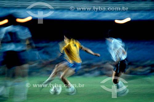 Jogo de futebol - Seleção Brasileira: jogadores em campo