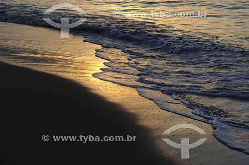 Areia e mar ao amanhecer na Praia de Pajuçara - Maceió - Alagoas - Brasil - Março 2006  - Maceió - Alagoas - Brasil