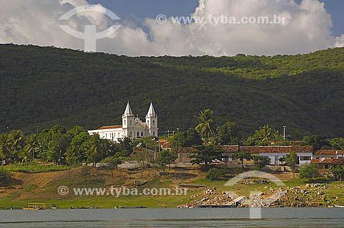 Igreja no povoado de Entre Montes, às margens do rio São Francisco, município de Piranhas - Alagoas - Brasil - Junho 2005  - Piranhas - Alagoas - Brasil
