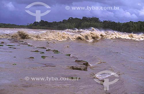 Pororoca no Rio Araguari - Amapá - Brasil - março de 1999.  - Amapá - Brasil
