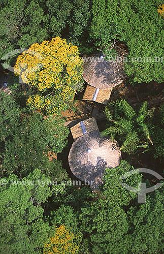 Imagem aérea de chalés do Hotel de Selva Acajatuba - margens do Rio Negro - município de Iranduba - AM - outubro de 2001  - Iranduba - Amazonas - Brasil