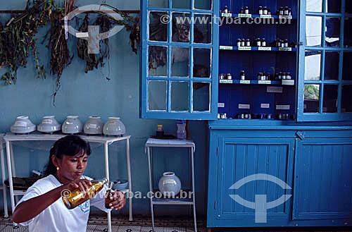 Medicina alternativa - farmácia de plantas medicinais na cidade de Barcelos, antiga capital do Estado do Amazonas - Rio Negro - AM - Brasil  - Amazonas - Brasil