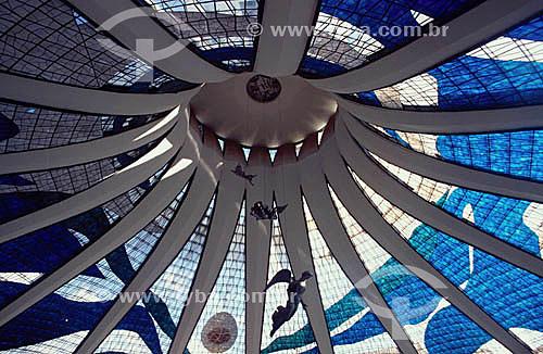 Interior da Catedral de Brasília (1) com vitrais de Marianne Peretti e anjos suspensos de Alfredo Ceschiatti - Brasília (2) - DF - Brasil(1)A Catedral é Patrimônio Histórico Nacional desde 13-08-85.(2)A cidade de Brasília é Patrimônio Mundial pela UNESCO desde 11-12-1987.  - Brasília - Distrito Federal - Brasil