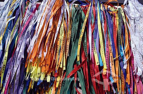 Fitas de Nosso Senhor do Bonfim, que são amarradas ao pulso das pessoas para trazer sorte - Salvador - Bahia - Brasil  - Salvador - Bahia - Brasil