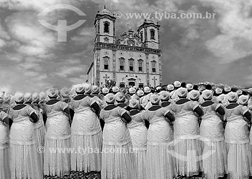 Baianas em frente à Igreja do Nosso Senhor do Bonfim na festa em homenagem ao Nosso Senhor do Bonfim - Salvador - Bahia - Brasil  - Salvador - Bahia - Brasil