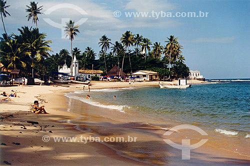 Igrejinha na praia da aldeia de pescadores - Praia do Forte - Mata de São João - Linha Verde - Costa dos Coqueiros - norte da Bahia - Brasil  - Porto Seguro - Bahia - Brasil