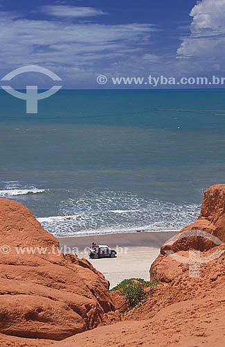 Bugre (buggy) na praia na localidade de Labirinto - Morro Branco - litoral do Ceará - Brasil  - Beberibe - Ceará - Brasil