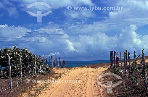 Pequena estrada de terra no Serrote -Jericoacoara - Ceará - Brasil  - Jijoca de Jericoacoara - Ceará - Brasil