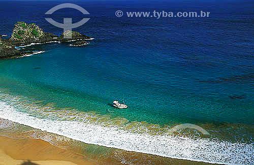 Praia na Baía do Sancho -  Arquipélago de Fernando de Noronha - Pernambuco - Brasil  O arquipélago Fernando de Noronha é Patrimônio Mundial pela UNESCO desde 16-12-2001.  - Fernando de Noronha - Pernambuco - Brasil