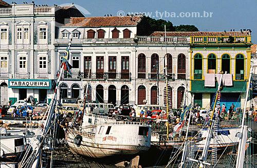 Barcos - Mercado do Ver-o-Peso  - Belém - PA - Brasil  O mercado Ver-o-Peso criado em 1688 é hoje o principal ponto turístico de Belém; é Patrimônio Histórico Nacional desde 09-11-1977 e o tombamento inclui as áreas adjacentes ao conjunto Ver-o-Peso.  - Belém - Pará - Brasil