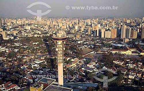 Vista de Curitiba com torre de telefonia da TELEPAR em primeiro plano - Paraná - Brazil  - Curitiba - Paraná - Brasil