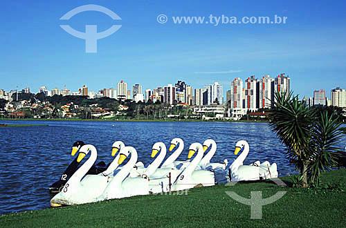 Pedalinhos com formato de cisne - Parque Barigui - Curitiba - Paraná - 2002  - Curitiba - Paraná - Brasil