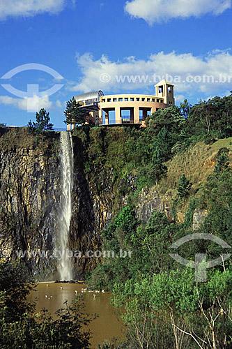 Cachoeira do Parque Tanguá - Curitiba - Paraná - 2002  - Curitiba - Paraná - Brasil