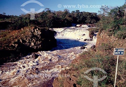 Conjunto de cachoeiras chamadas de Sete Quedas antes da inundação pela Usina Hidrelétrica Itaipu Binacional - Década de 80  - Garopaba - Santa Catarina (SC) - Brasil