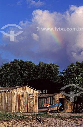 Casas de madeira - Vila de Superagüi - Paraná - Brasil / Data: 12/1997